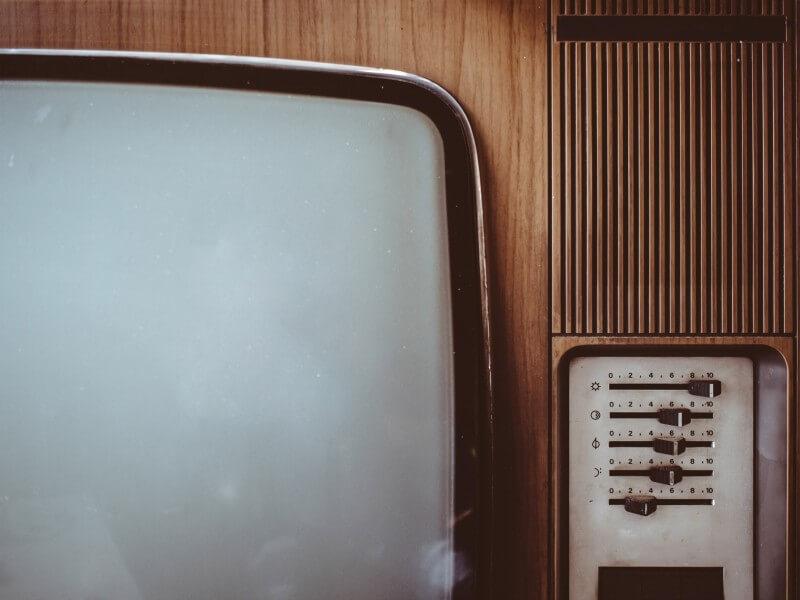 Co oznaczają skróty OLED, QLED, IPS Czyli kupno telewizora